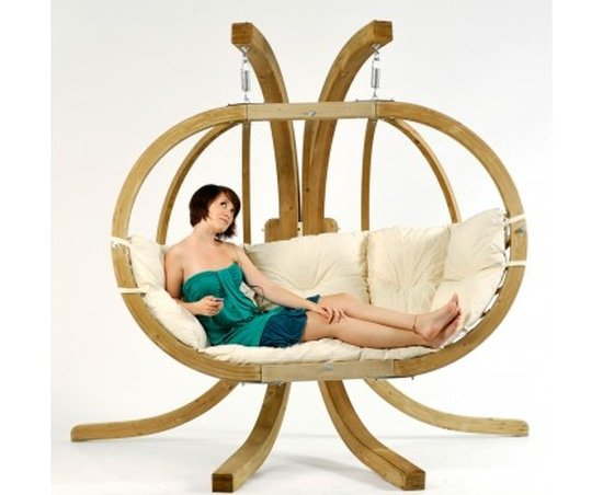 De houten hangstoel Globo