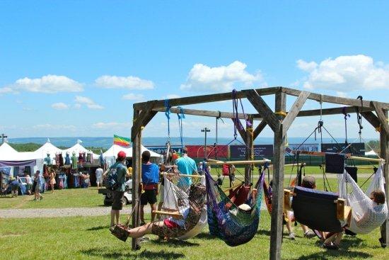 Festivalfever in een hangstoel