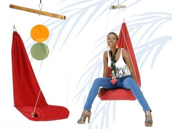 Hangstoel met spreidstok in de lengte