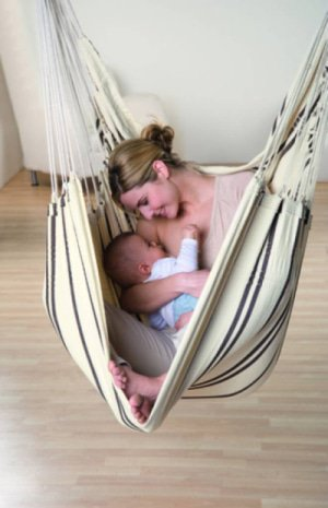 hangstoel moeder baby kraamcadeau
